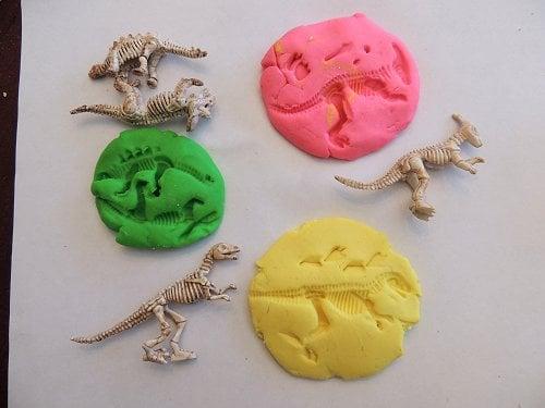 Dinosaur-Fossil-Playdough