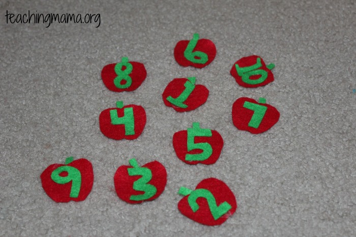 felt apples with numbers