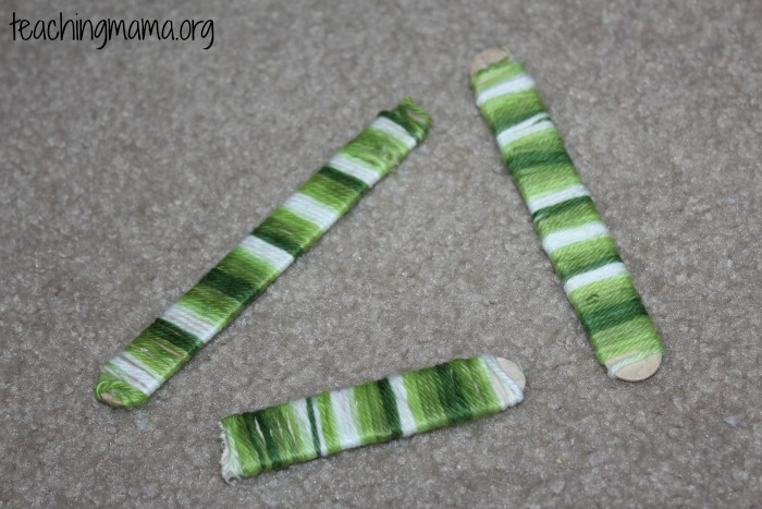 green yarn sticks
