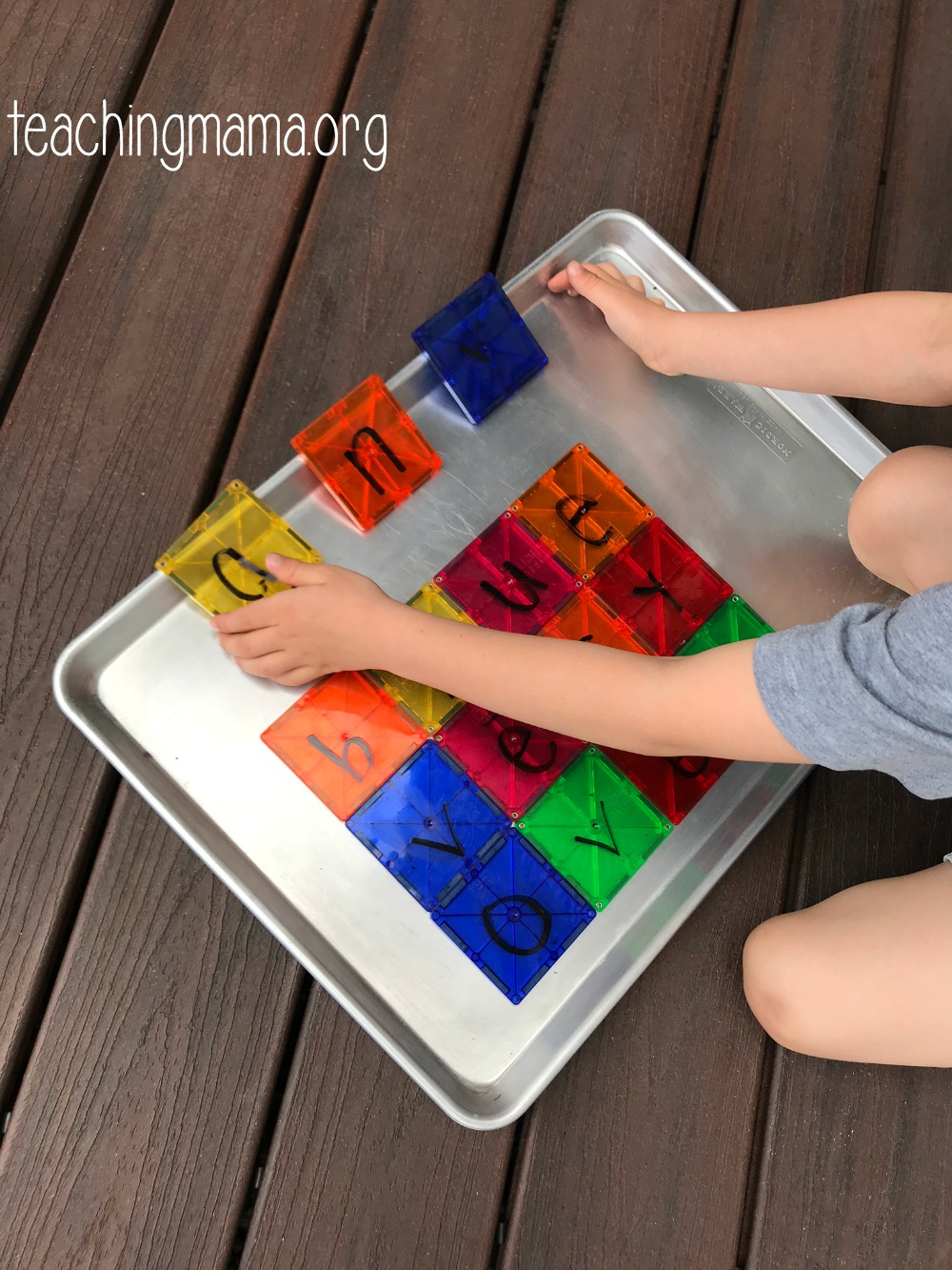spelling with magna-tiles